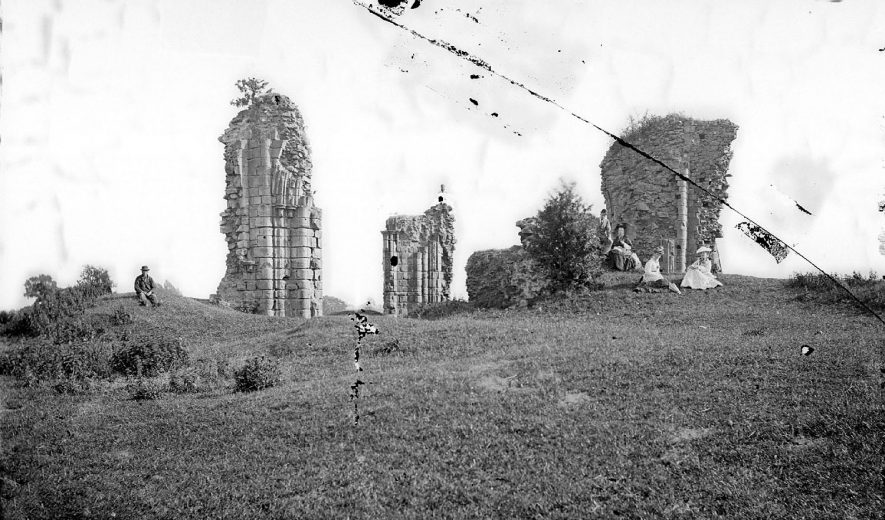 Abbey church, view of ruins, Nuneaton.  1900s |  IMAGE LOCATION: (Warwickshire County Record Office)