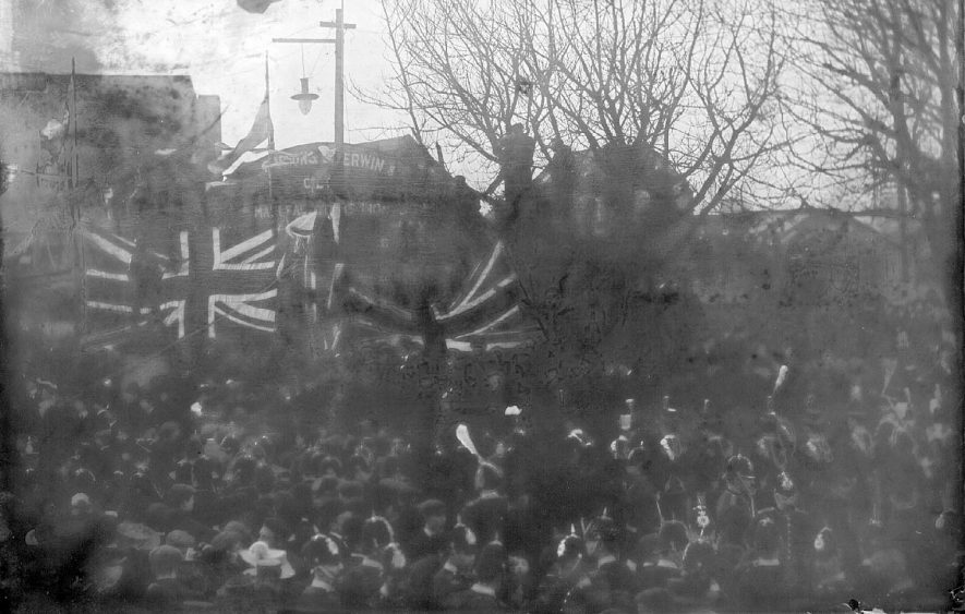 General Buller unveiling the Boer War memorial.  1905 |  IMAGE LOCATION: (Warwickshire County Record Office) PEOPLE IN PHOTO: Buller, General, Buller as a surname