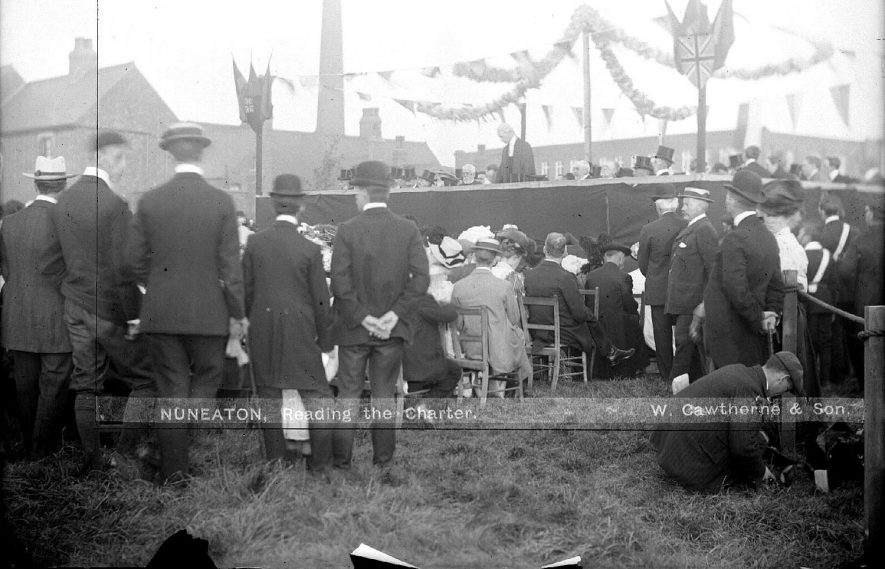 'Reading the Charter' at Nuneaton.  1907    IMAGE LOCATION: (Warwickshire County Record Office)