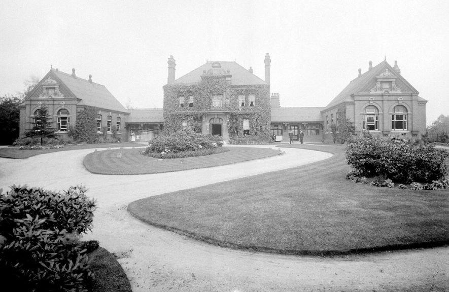 Nuneaton General Hospital, Manor Court Road.  1900s |  IMAGE LOCATION: (Warwickshire County Record Office)