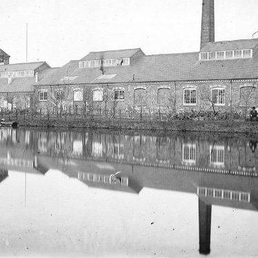 Wool Factory, probably Fielding & Johnsons worsted factory, Anker Mills, Nuneaton.  1900s |  IMAGE LOCATION: (Warwickshire County Record Office)