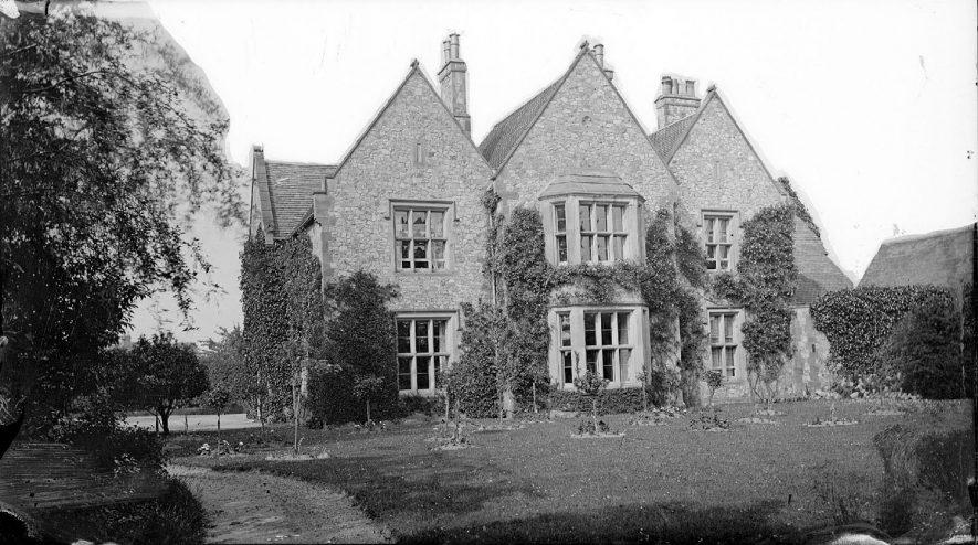 Weddington Vicarage.  1900s |  IMAGE LOCATION: (Warwickshire County Record Office)