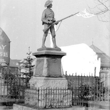 Nuneaton.  Boer War memorial