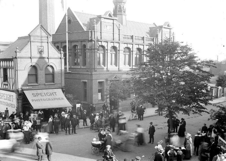 The old library and the premises of Speight, photographers, Coton Road, Nuneaton.  1910s    IMAGE LOCATION: (Warwickshire County Record Office)