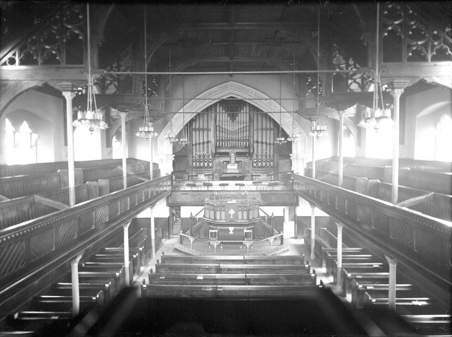 Manor Court Baptist Church, Manor Court Road, Nuneaton. Interior view showing organ.  1910s |  IMAGE LOCATION: (Warwickshire County Record Office)
