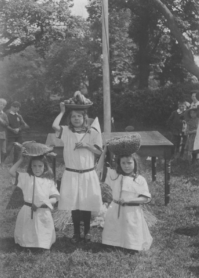 Arley children depicting