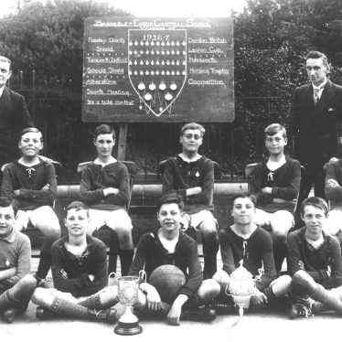 Baddesley Ensor.  Central School Football Team