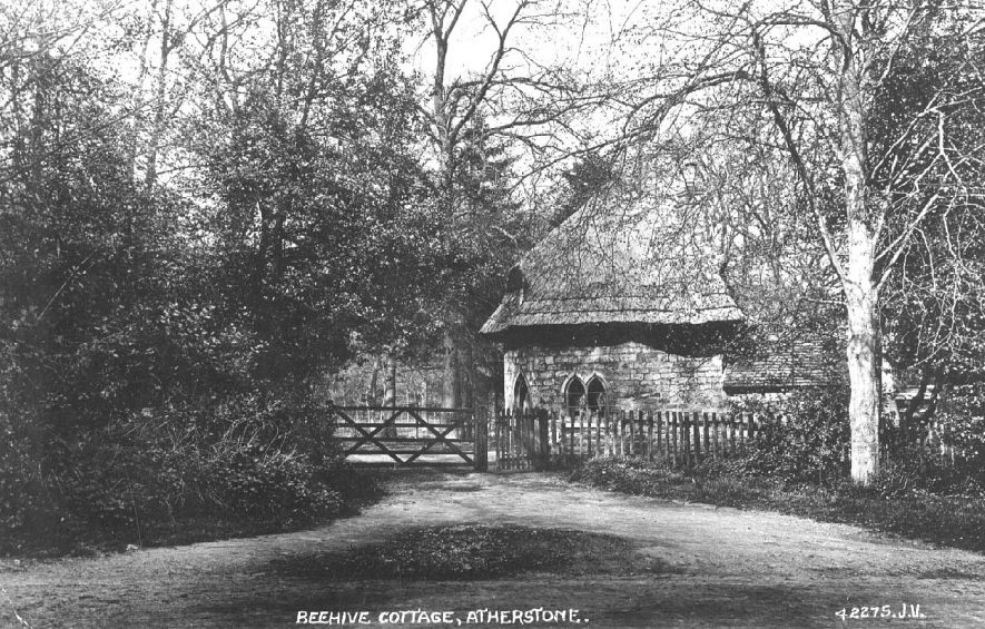 Beehive Cottage, Atherstone.  1920s    IMAGE LOCATION: (Warwickshire County Record Office)