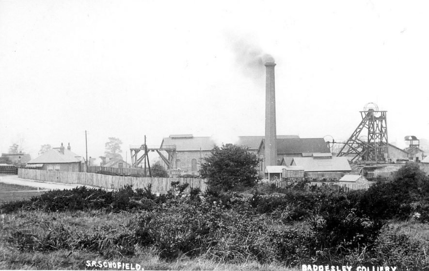 View of the pit head workings and buildings at Baddesley Colliery.  1900s |  IMAGE LOCATION: (Warwickshire County Record Office)