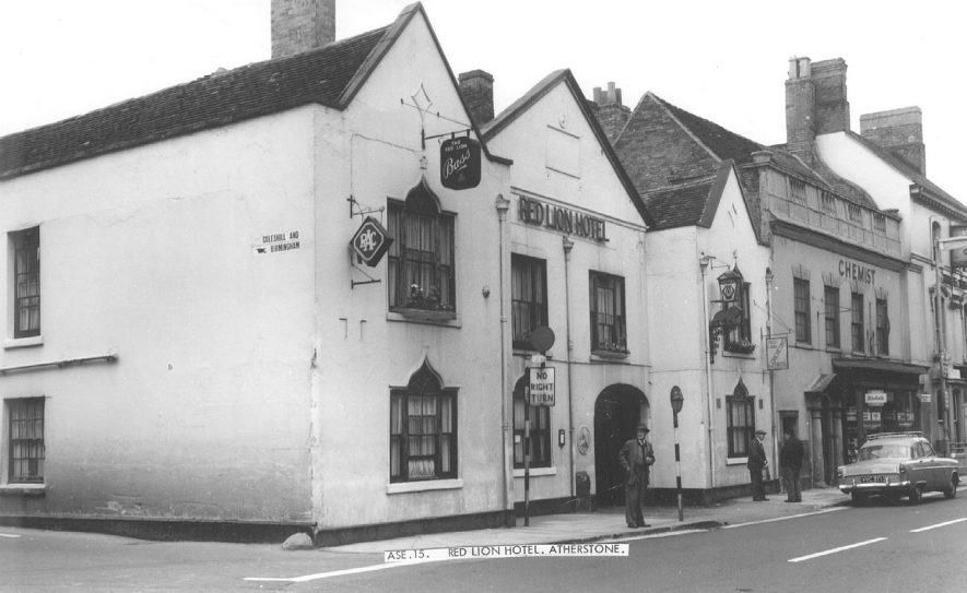 The Red Lion, Atherstone.  1950s |  IMAGE LOCATION: (Warwickshire County Record Office)