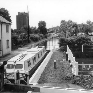 Atherstone.  Coventry Canal
