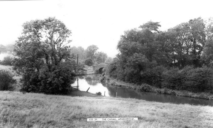 The canal and bridge at Atherstone.  1960s |  IMAGE LOCATION: (Warwickshire County Record Office)