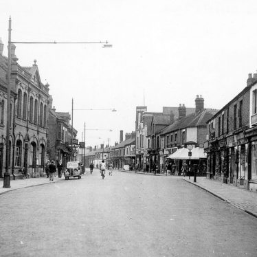 Nuneaton.  Queen's Road