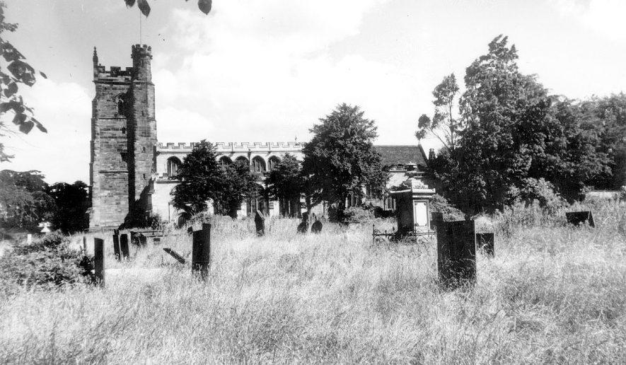 St Nicholas' Church, Nuneaton.  1960s |  IMAGE LOCATION: (Warwickshire County Record Office)