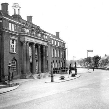 Nuneaton.  Town Hall