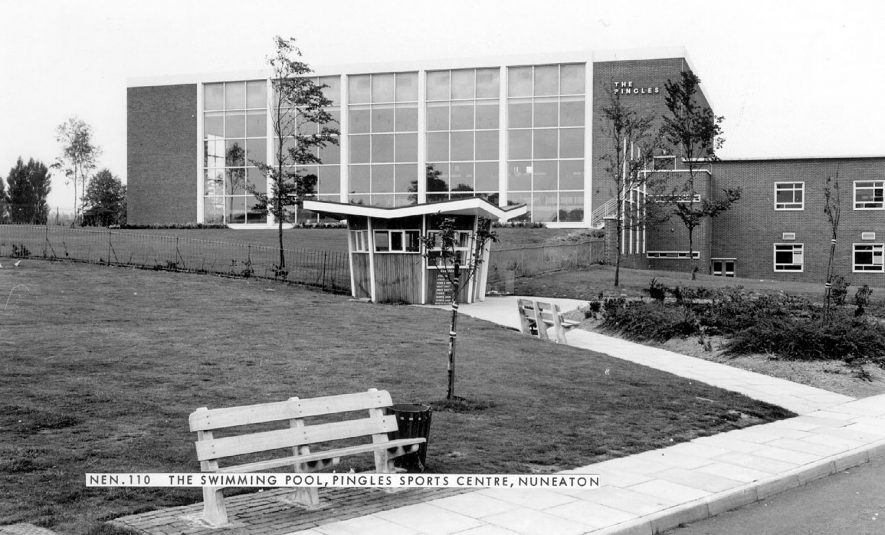 The Swimming Pool at the Pingles Sports Centre, Nuneaton.  1960s |  IMAGE LOCATION: (Warwickshire County Record Office)