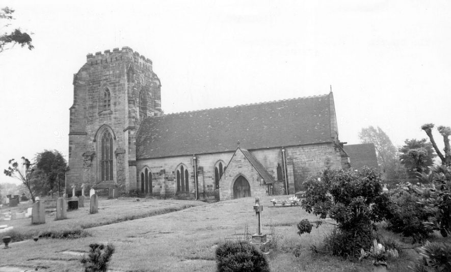 The church and churchyard at Polesworth.  1960s |  IMAGE LOCATION: (Warwickshire County Record Office)
