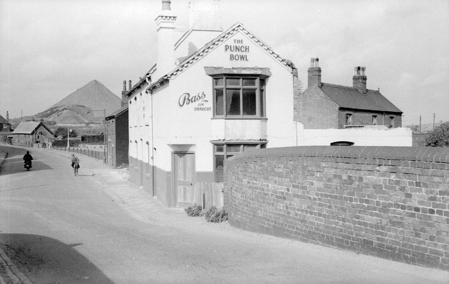 The Punch Bowl Inn, near Abbey Street Station, Nuneaton, awaiting demolition.  1950 |  IMAGE LOCATION: (Warwickshire County Record Office)