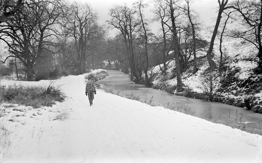 Snow and frozen canal in Griff Hollows, Nuneaton.  1950 |  IMAGE LOCATION: (Warwickshire County Record Office)