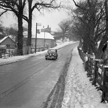 Nuneaton.  Griff Hollows, snow scene