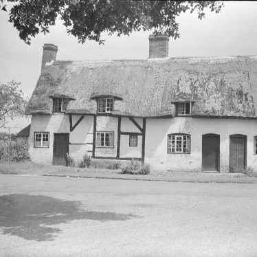 Monks Kirby.  Thatched cottages