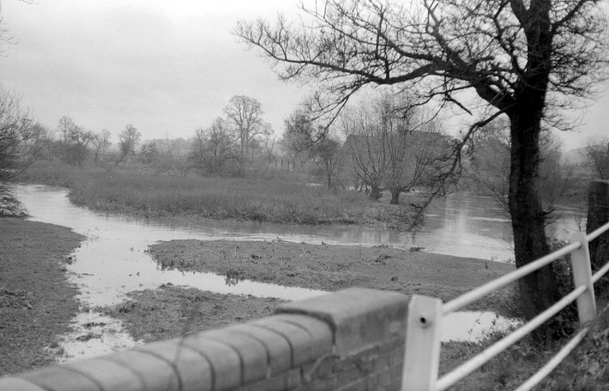 Swollen River Anker in Sheepy Lane, Atherstone, after heavy rain.  1951 |  IMAGE LOCATION: (Warwickshire County Record Office)