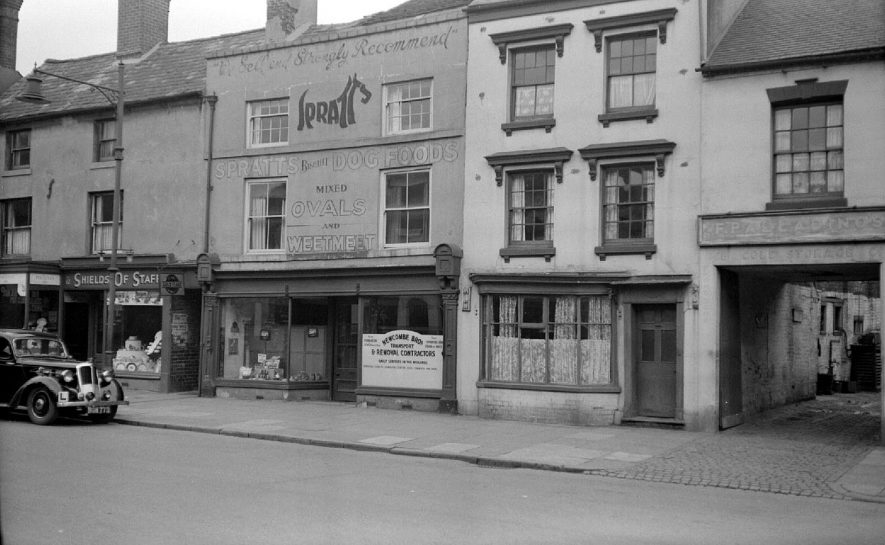 Property in Abbey Street, near the Coach and Horses public house, Nuneaton.  1951