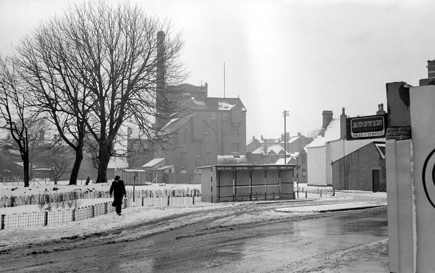 Nuneaton Flour Mill seen from Church Street.  1952 |  IMAGE LOCATION: (Warwickshire County Record Office)