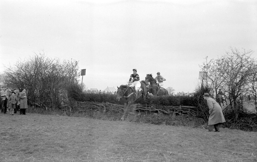 Ansley Point-to-Point Ladies Race.  1952  |  IMAGE LOCATION: (Warwickshire County Record Office)