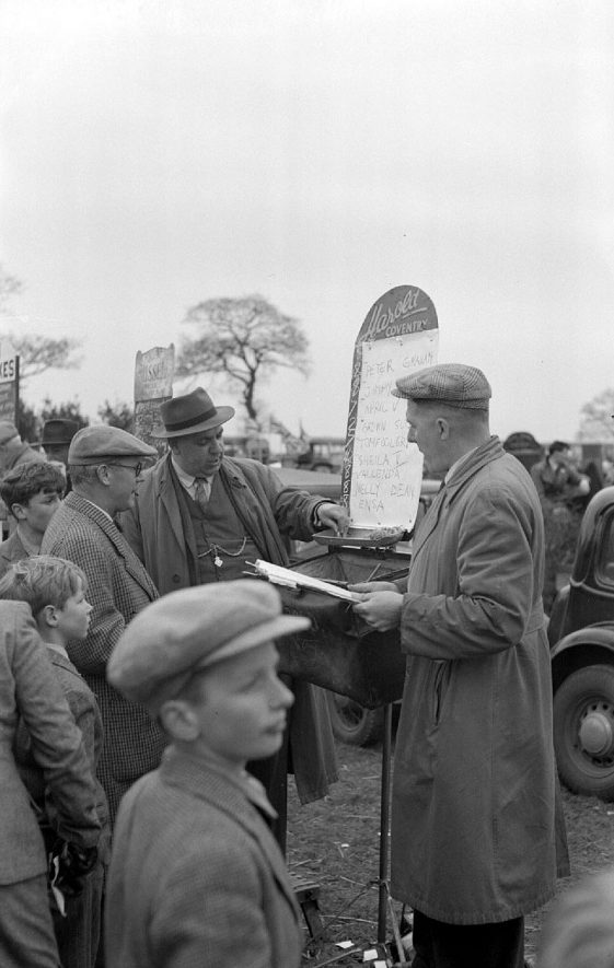 Bookmakers at Ansley Point-to-Point races.  1952 |  IMAGE LOCATION: (Warwickshire County Record Office)