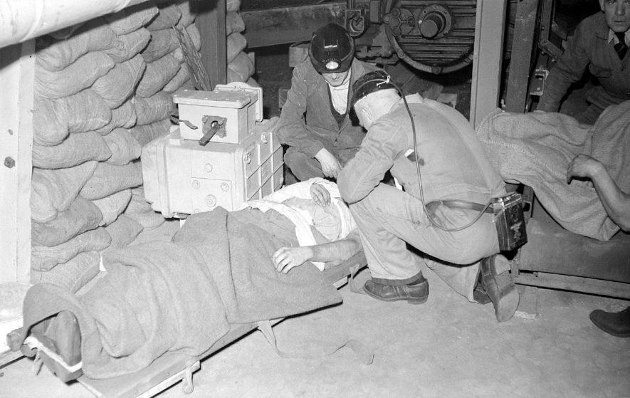 Griff No.4 rescue team attend a