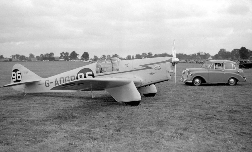 Baginton Civic Air Day 1953.  A competitor in the Armstrong Siddeley Trophy Race. |  IMAGE LOCATION: (Warwickshire County Record Office)