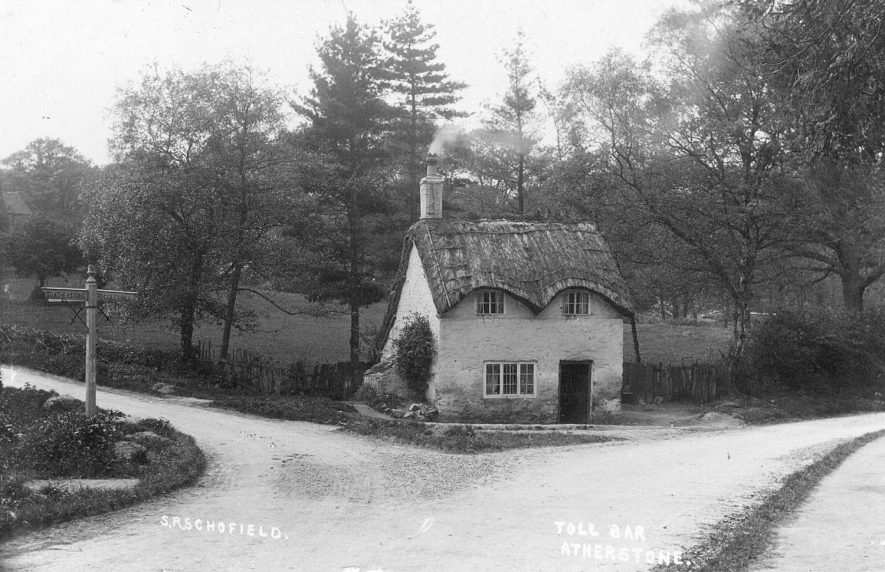 Toll Bar cottage, Atherstone.  1920s |  IMAGE LOCATION: (Warwickshire County Record Office)