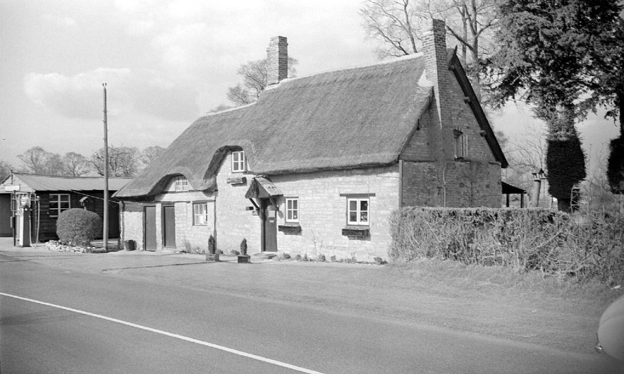 A thatched cottage in Ladbroke.  1955 |  IMAGE LOCATION: (Warwickshire County Record Office)