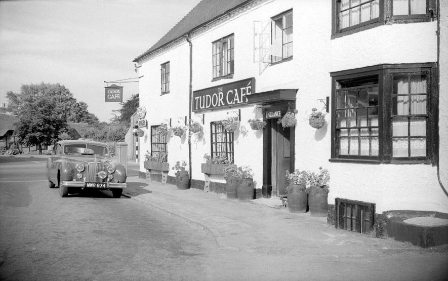 The Tudor Cafe, Dunchurch.  1955 |  IMAGE LOCATION: (Warwickshire County Record Office)