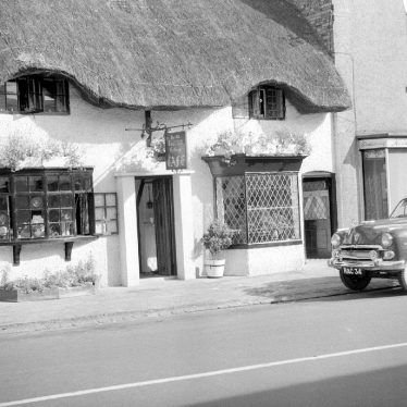 Dunchurch.  Old Thatched Cottage Cafe