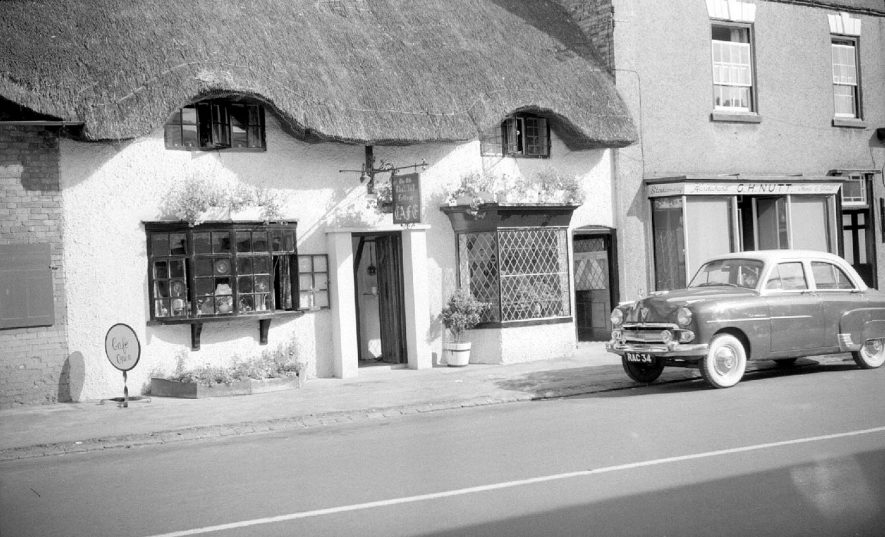 The Old Thatched Cottage Cafe, Dunchurch.  1955 |  IMAGE LOCATION: (Warwickshire County Record Office)
