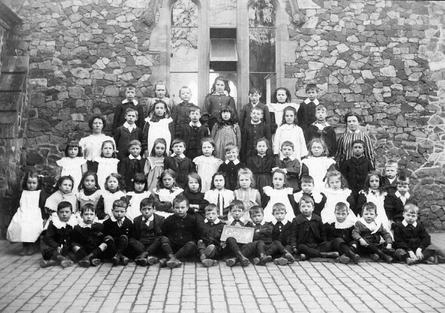 Stockingford Church school ( St Paul's) group 7 class in 1907.    IMAGE LOCATION: (Nuneaton Library)