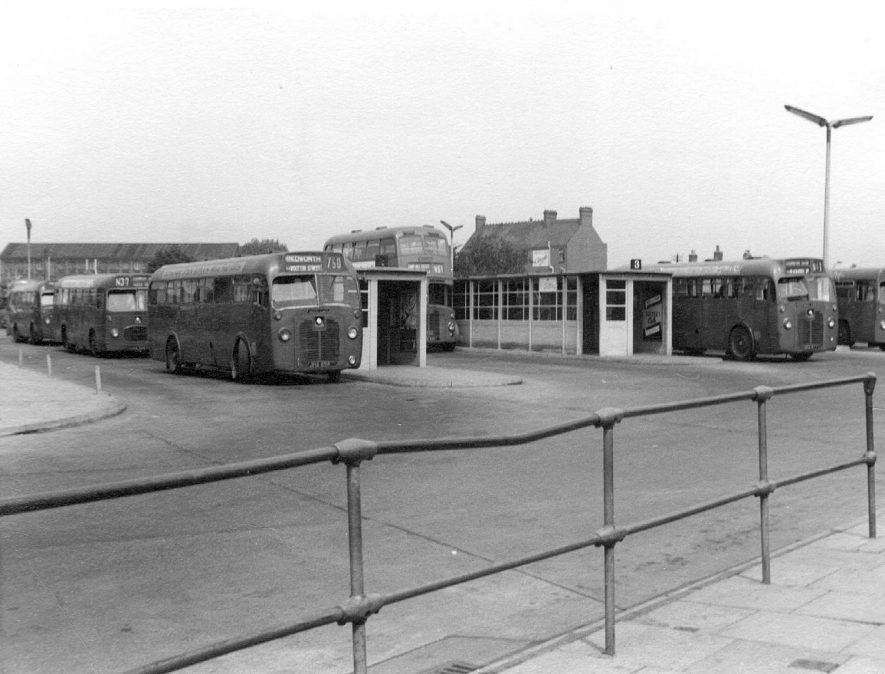 Single and double-decker buses at Nuneaton bus station.  1960s |  IMAGE LOCATION: (Nuneaton Library)