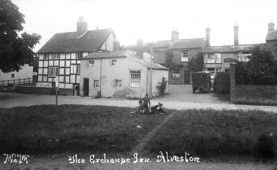 The Exchange Inn, Ferry Lane, Alveston.  Three boys on the green and a delivery van outside the inn.  1920s |  IMAGE LOCATION: (Warwickshire County Record Office)
