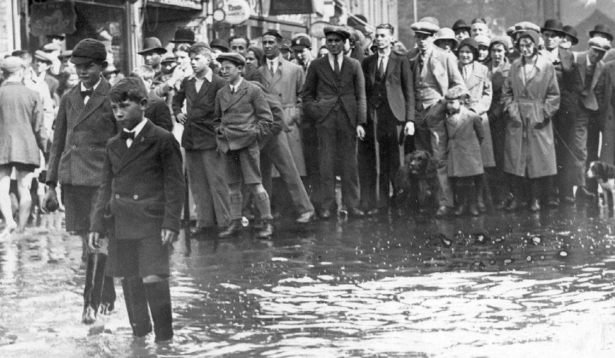 A flooded street in Nuneaton.  1932 |  IMAGE LOCATION: (Nuneaton Library)
