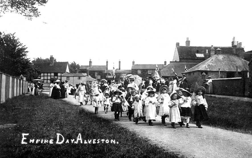 Procession of children for Empire Day, Alveston.  1900s |  IMAGE LOCATION: (Warwickshire County Record Office)
