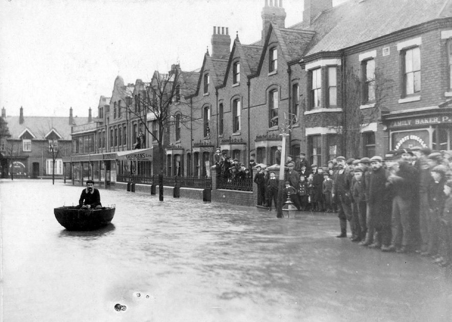 Attleborough Road looking towards Nuneaton during the flood of 1900/ |  IMAGE LOCATION: (Nuneaton Library)