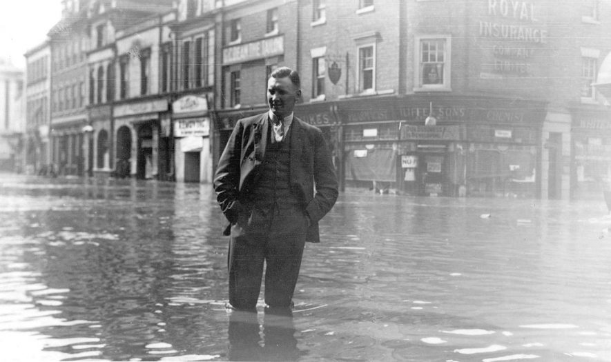 The Market Place, Nuneaton during the floods, May 22nd 1932. |  IMAGE LOCATION: (Nuneaton Library)