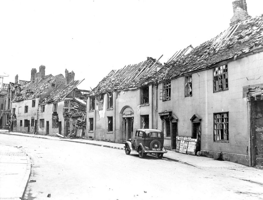 Bomb damaged cottages in Church Street, Nuneaton.  1941 |  IMAGE LOCATION: (Nuneaton Library)