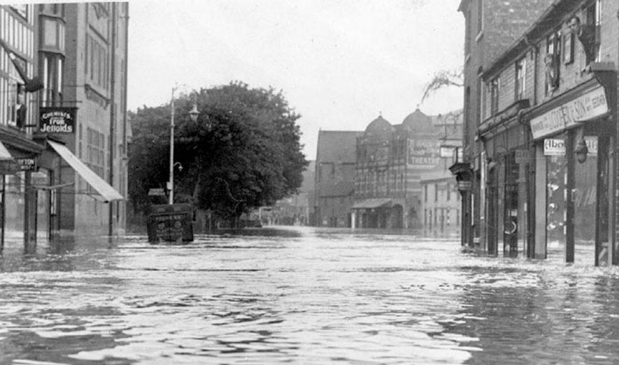 Bond Street, Nuneaton during 1932.    IMAGE LOCATION: (Nuneaton Library)