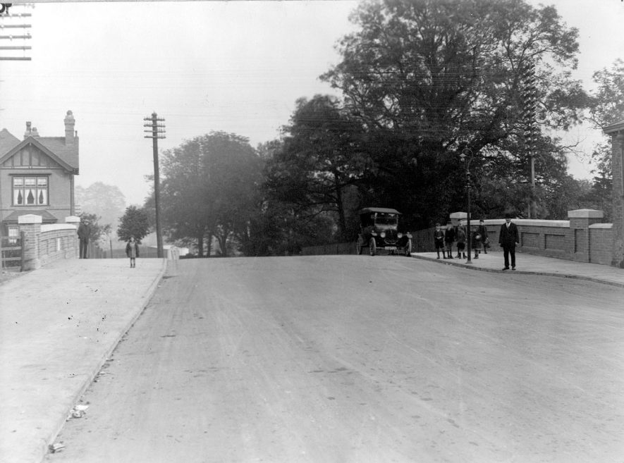 Canal bridge on the Coventry Road, Nuneaton built probably in the 1920s |  IMAGE LOCATION: (Nuneaton Library)