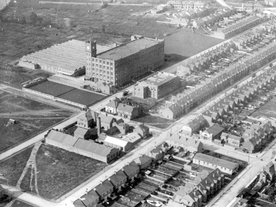 Courtauld's factory in Marlborough Road, Nuneaton.  1930s |  IMAGE LOCATION: (Nuneaton Library)