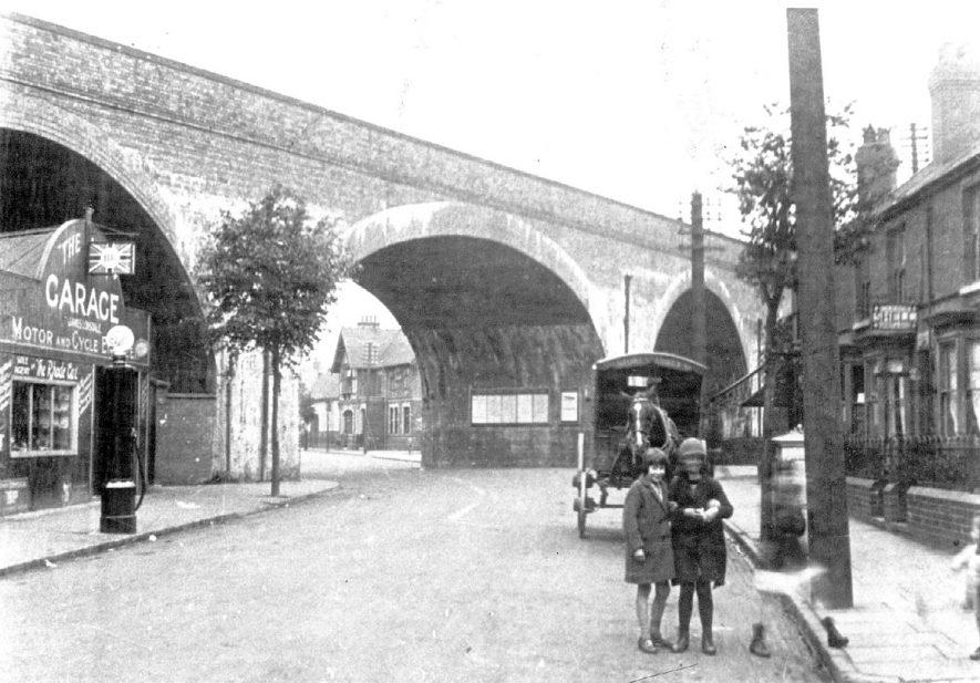 Coton Arches, Nuneaton.  1920s |  IMAGE LOCATION: (Nuneaton Library)