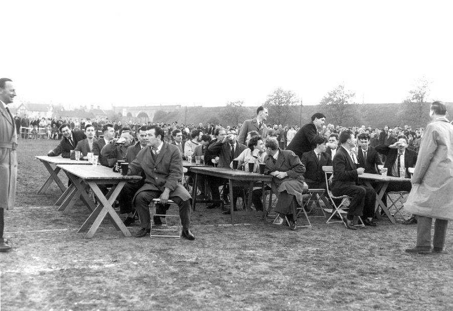 1963 Carnival, Nuneaton. |  IMAGE LOCATION: (Nuneaton Library)